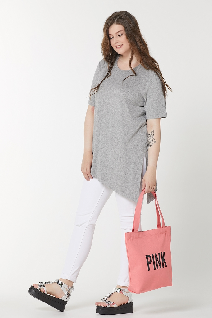 Летняя футболка с ассиметричным низом