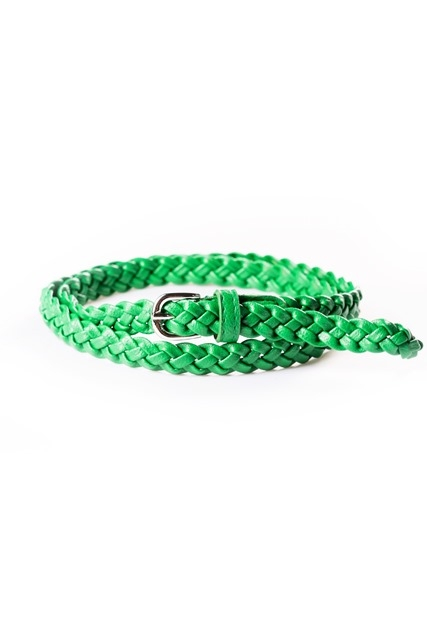 Зеленый плетеный ремень