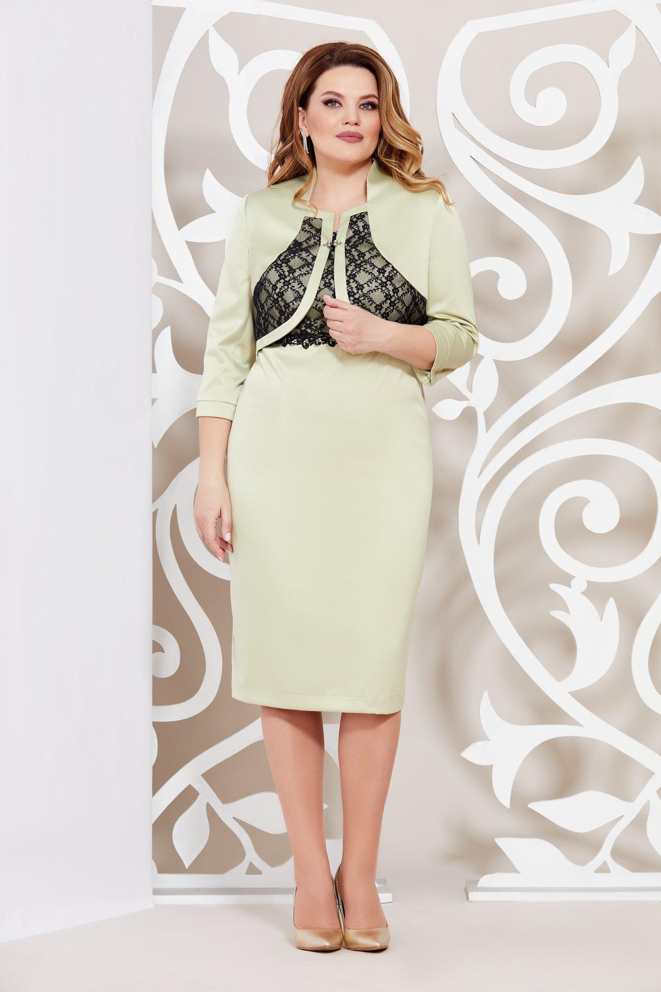 Комплект в классическом стиле из платья и укороченного жакета