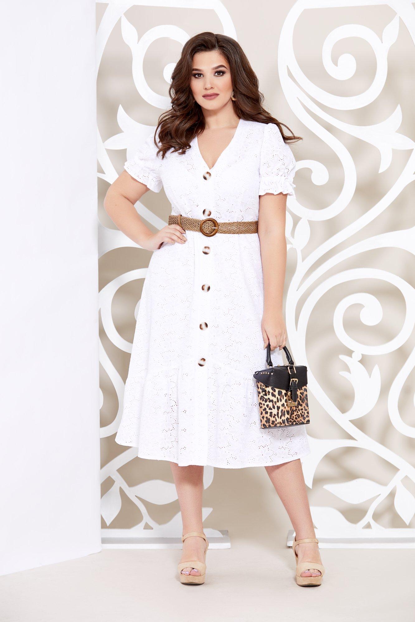 Стильное летнее платье из натуральной хлопковой ткани с шитьем