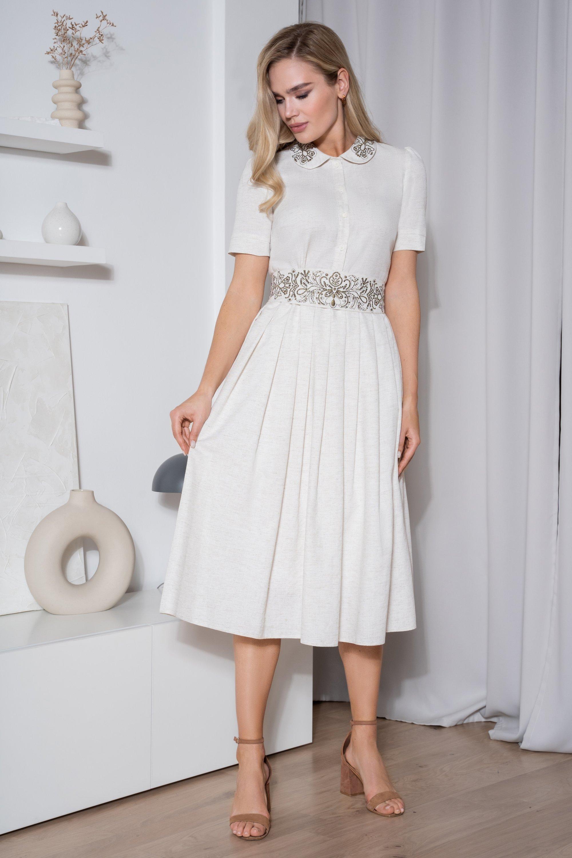 Восхитительное летнее платье из льна и вискозы с вышивкой  на подкладке