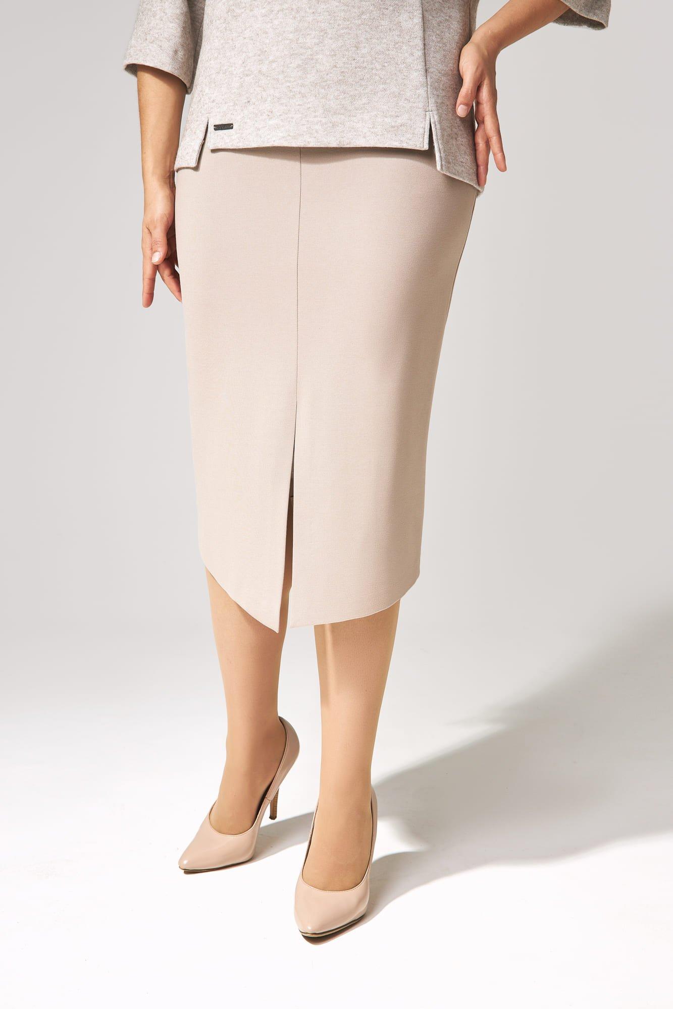 Юбочный костюм из джемпер с ангорой и юбки из трикотажа